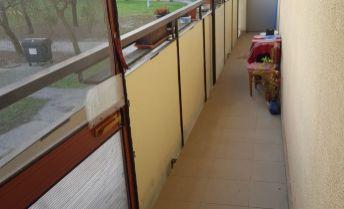Na predaj 1izbový byt v OV s 2 balkónmi !!!