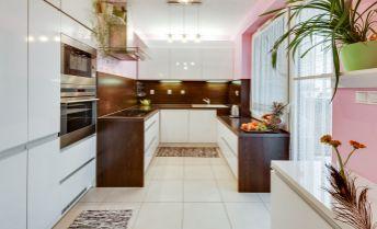 3 izb. byt,novostavba, kompletne zariadený,klimatizovaný,parkovacie státie,nizke náklady,pekný výhlad.