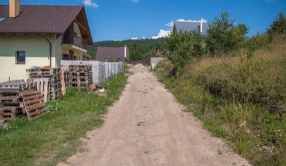 Stavebný pozemok (700 m2) Hôrka, časť Kišovce