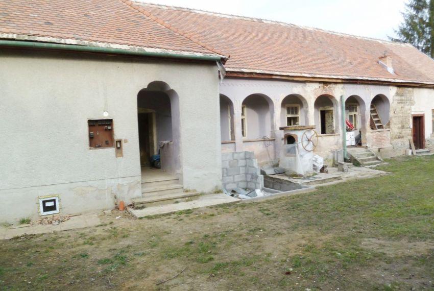 Predaj Rodinné domy Tomášovce-1