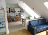 NA PREDAJ – NOVÁ CENA ! 4-izbový podkrovný tehlový byt po čiastočnej rekonštrukcii v úplnom centre Senca