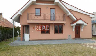 REALFINN  Predaj, luxusný rodinný dom Dvory nad Žitavou