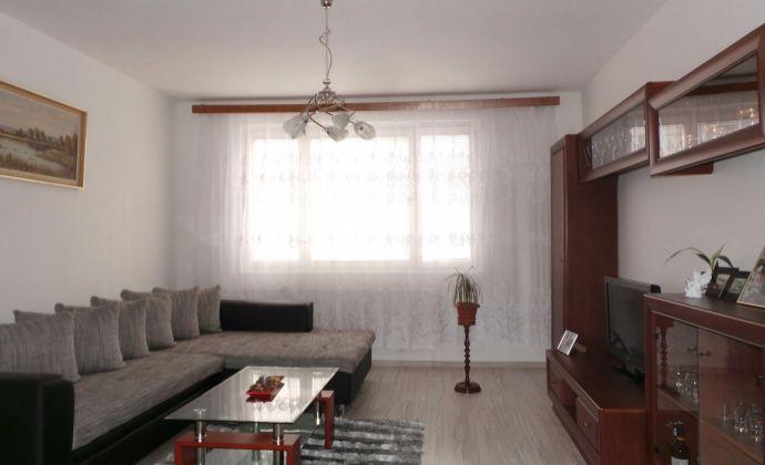 3 izb byt, rekonštruovaný bytový dom, nízke náklady, čiastočná rekonštrukcia