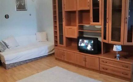 Na prenájom 1 izbový byt s veľkou loggiou Hanulova ul. Dúbravka