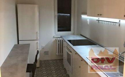 Prenájom: 3 izbový byt, Narcisová ulica, Bratislava II, Ružinov, nezariadený, balkón, po rekonštrukcii