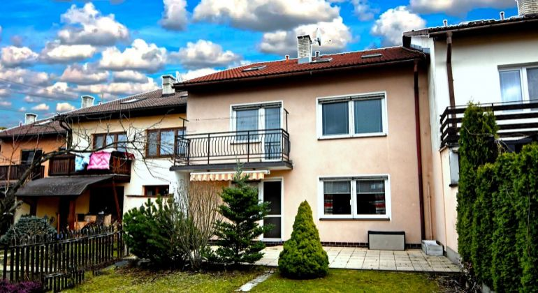 Realitný maklér Žilina: Predaj rodinného domu Žilina - Budatín - Červená - 297 m2