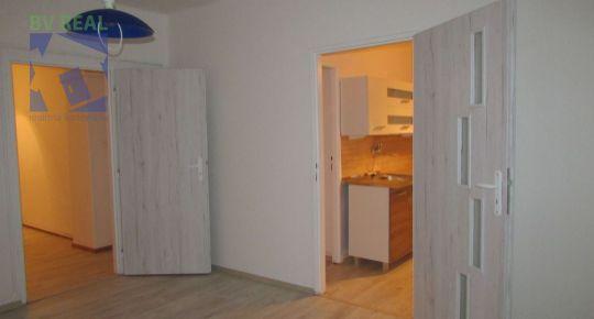 Predaj 2 izbový byt 60 m2 Handlová ulica 1.mája 79029
