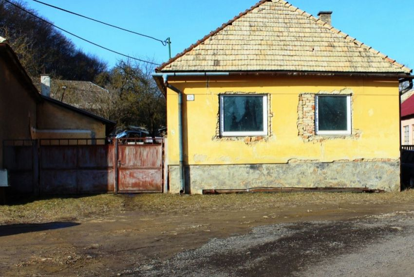 Predaj Rodinné domy Ružiná-1