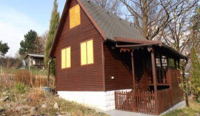 MARTIN Záturčie chata na slnečnom pozemku 1262m2