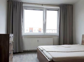 NA PREDAJ: Kompletne zrekonštruovaný 1 a 1/2 izbovy byt v CENTRE mesta Malacky!!