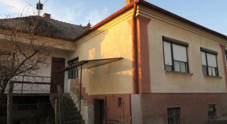 Rodinný dom na predaj v obci Bátorove Kosihy.