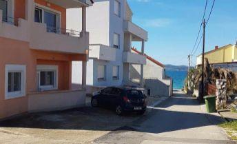 Exkluzivne LEN  u nás!!!.. predám vilu s 5timi apartmánmi v Chorvátsku, mesto Zadar - Diklo