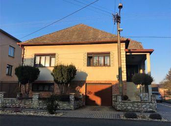 ***NA PREDAJ:  Dvojpodlažný 5 izbový rodinný dom v Moravskom Sv. Jáne!!*