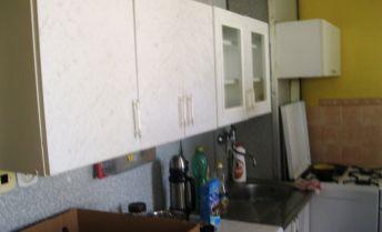 Útulný - 1 izbový byt do podnájmu - EXKLUZÍVNE  -  centrum - Prievidza.