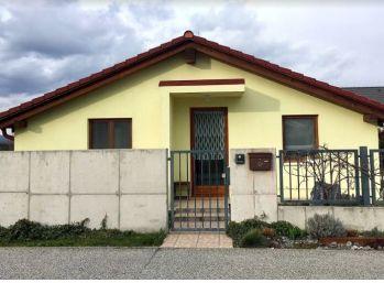 Moderný 3 izb dom s terasou v Slovenskom Grobe