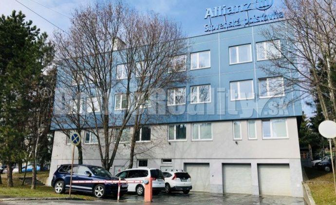 Kancelárske priestory na prenájom 20 - 300 m2, budova Allianz, Záhradnícka ulica, Prievidza