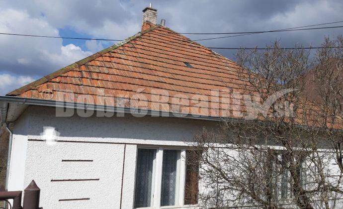 Na predaj rodinný dom  na menšom pozemku v obci Veľké Lovce, pôvodný stav