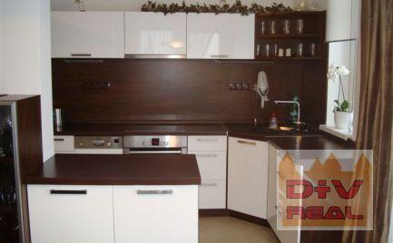 Prenájom: 3 izbový byt, Bratislava II, Kramáre, zariadený, parkovanie, balkón