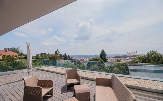 ARTHUR- luxusný byt na hradnom kopci s 2 terasami a výhľadom