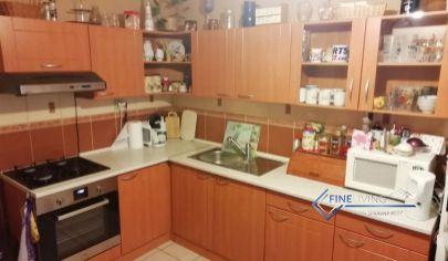 3 - izb. byt s priestrannou loggiou (6 m2) za dobrú cenu
