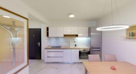 Luxusný zariadený 2 izbový apartmán / Lodenica Piešťany