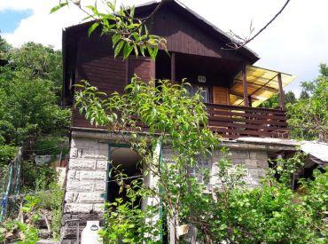 Predaj záhradky v obci Teplička nad Váhom, čásť NIVY, chatka 22m2 na pozemku 454 m2  Cena: 17.000 €