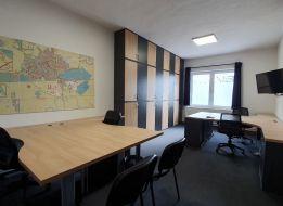 136 m2 ADMINISTRATÍVNE PRIESTORY V SENCI S PARKOVANÍM