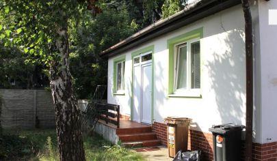 PREDANÉ: EXKLUZÍVNE na predaj  starší 4i RD v lukratívnej časti Bratislavy - na Konopnej ulici
