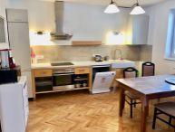 Na prenájom pekný 2.-izb. zariadený byt s krbom v rodinnom dome, terasa, parkovanie vo dvore, top lokalita Kozácka ulica