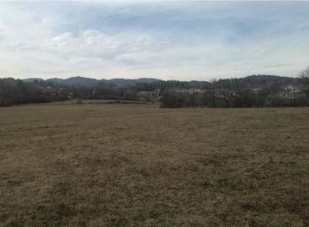Predám slnečný stavebný pozemok 1280 m2 v zastavanom území obce Badín, Banská Bystrica.