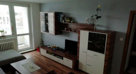 Kuchárek-real: Ponuka 3 izbového bytu v Malackách.