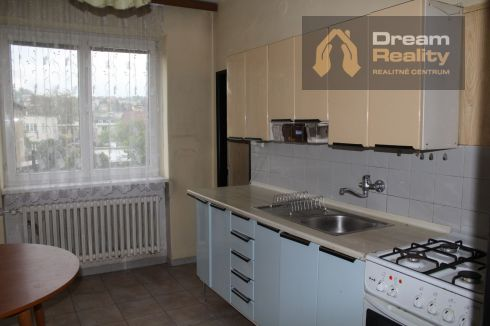 Pekný 3-izbový byt s garážou a záhradkou
