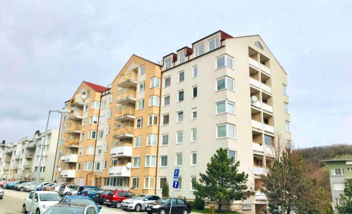 GREGORY Real, predaj 1 izbový byt 48,57 m2 s terasou, lodžiou a pivnicou, výhľad  Líščie údolie, Karlova Ves, Bratislava IV., bezbariérový bytový dom