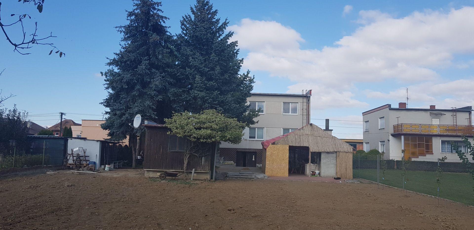 5ea458a5b EXKLUZIVNE - BOŠANY viacgeneračný rodinný dom, pozemok 1162 m2 - Bošany