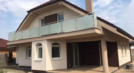 Kuchárek-real: Novotavba rodinného domu v Miloslavove.