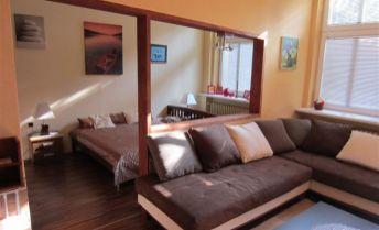 2-izbový byt vo vilovej štvrti pod Slavínom - Godrova ul. s parkingom