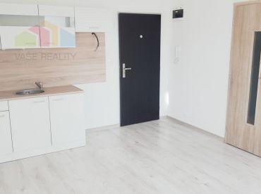 1 izbový byt Bánovce nad Bebravou  / CENTRUM / BALKÓN -Kompletne nová rekonštrukcia