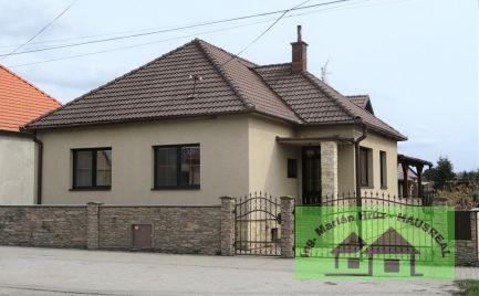 EXKLUZÍVNE!!Pekný poschodový dom, 180 m2, terasa, garáž, upravený dvor, Tesárske Mlyňany