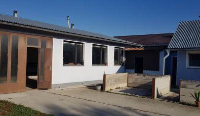 PRAZNOVCE Prenájom - výrobná hala, administratívna budova, 3 izb. dom, garáž....
