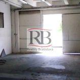 Výrobno-skladový priestor na Trenčianskej ulici v Ružinove