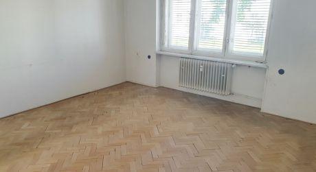 Na predaj tehlový 2 izbový byt, 64 m2, Nové Mesto nad Váhom, ul. J. Kollára