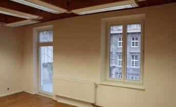 2-izbový byt s terasou - Staré Mesto BA