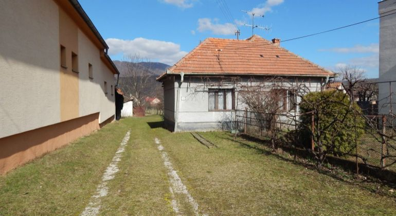 Na predaj 3 izbový rodinný dom, 2341 m2, Nitrica-Račice, okres Prievidza