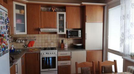 Ponúkame na predaj zrekonštruovaný 2 izbový byt v Dubnici nad Váhom.