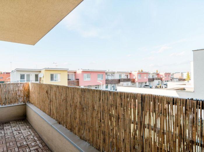 KVETNÁ, 2-i byt, 62 m2 - NADČASOVÉ zariadenie, novostavba, VLASTNÉ PARKOVANIE, tichá lokalita