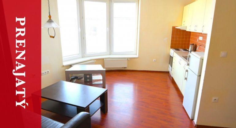 PRENAJATÝ: Prenájom 1i apartmánu v centre Žiliny s parkovaním