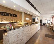 Predaj rekonštr.budovy so zariadenou reštauráciou, barom 309m2 v centre Abrahámu