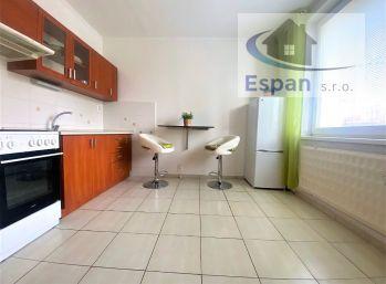 ***NA PRENÁJOM: Kompletne zariadený 1 a 1/2 izbovy byt v CENTRE mesta Malacky!!