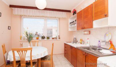 APEX reality ponúka 3 iz. byt po čiastočnej rekonštrukcii, 70 m2, 2x loggia, vo Vrbovom
