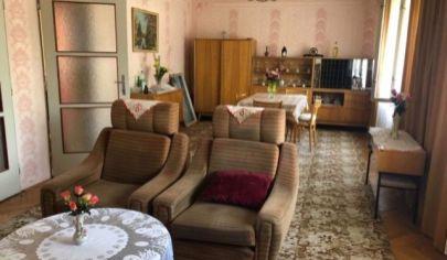 Rodinný dom na predaj, Kolárovo
